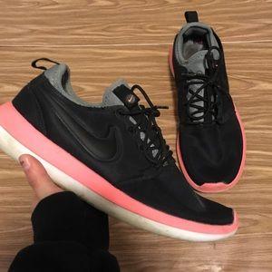 Nike Roshe Two Black Hot Pink Women's 10